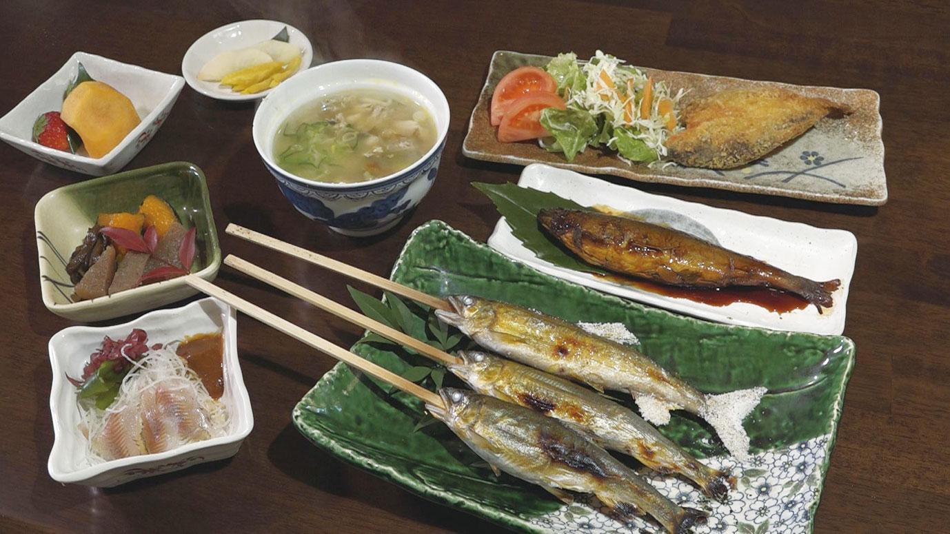 鮎を使った様々な料理が楽しめる「鮎川コースA」3780円